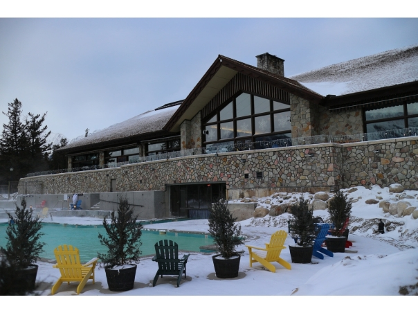 jasper_park_lodge_pool_public_w1280_h960